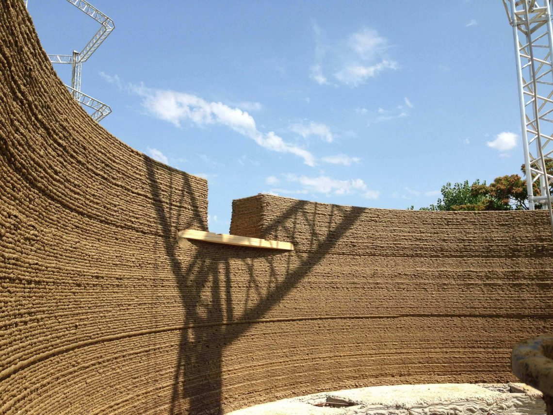 Earthen wall of GAIA 3D printed house. Photo curtesy of WASP.