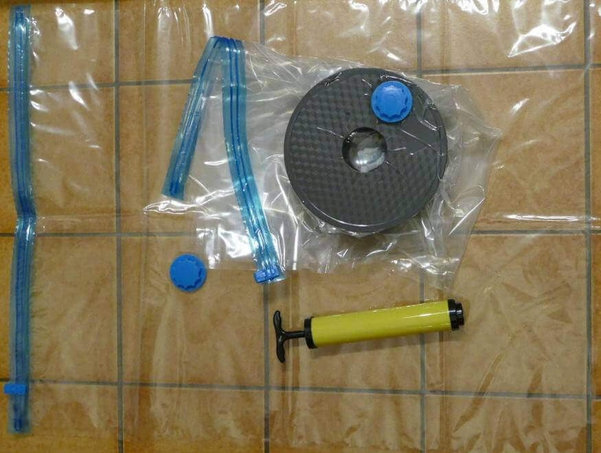 Vacuum sealed bags for filaments. Photo credit Doko